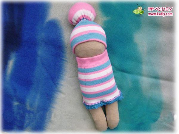 игрушки из носков. куколка и зайчик (18) (600x450, 118Kb)