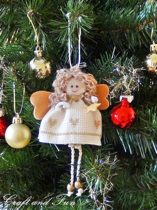 Подвеска - рождественский ангел из поролона и ткани. Мастер-класс (31) (525x700, 362Kb)