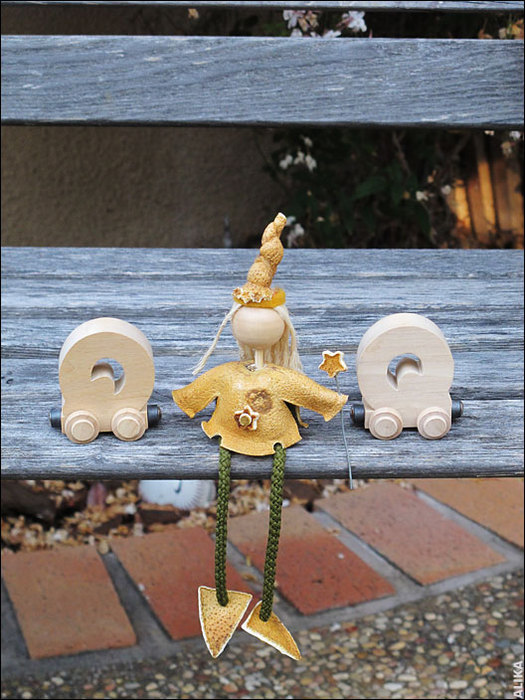 кукла  из  апельсиновых  корок