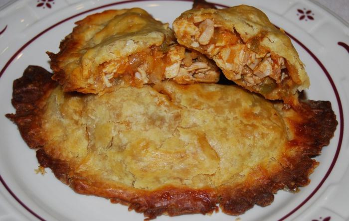 песочные пирожки с курицей и овощами (700x444, 131Kb)