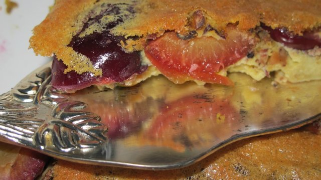 Plum Clafoutis with pistachios (640x359, 213Kb)
