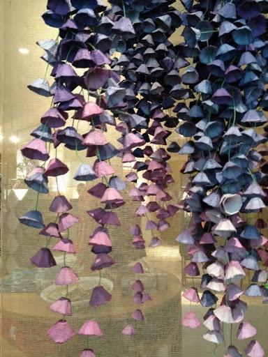красота из картона- цветы из яичных лотков (55) (384x512, 184Kb)