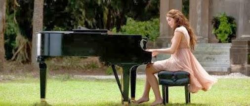 chica-tocando-piano (506x216, 30Kb)