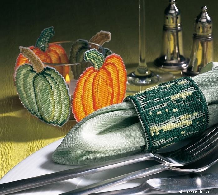 Вышивка на пластиковой канве для осенней сервировки стола (1) (700x627, 368Kb)