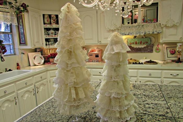 Ate los árboles de Navidad en el cristal (1) (700x466, 279Kb)