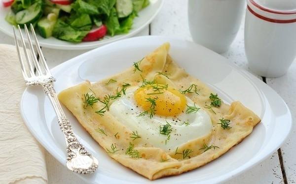 завтрак с яйцами (600x374, 127Kb)