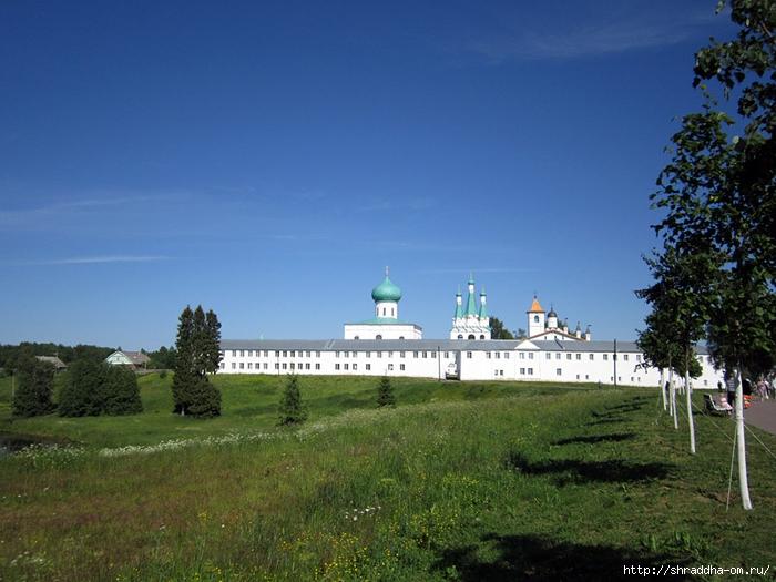 Монастырь Свирского, лето (700x525, 278Kb)