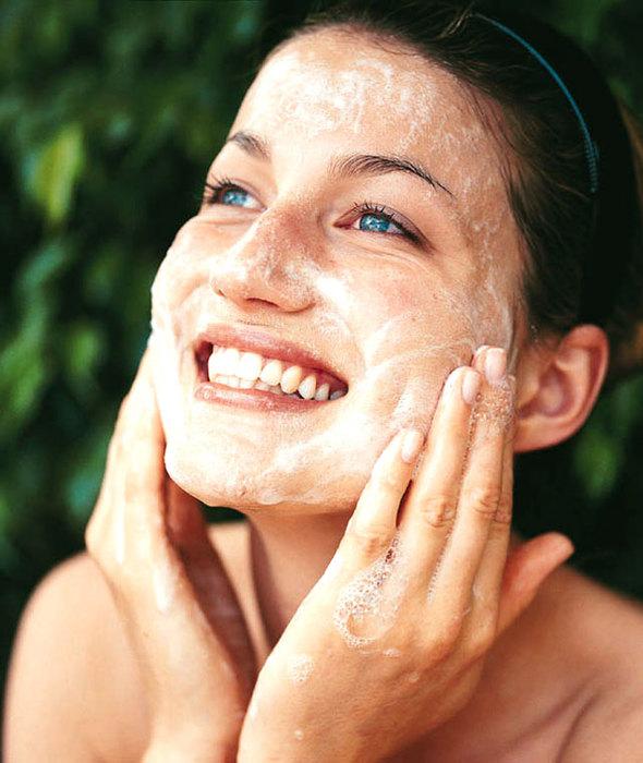 Очистить в домашних условиях сухую кожу лица