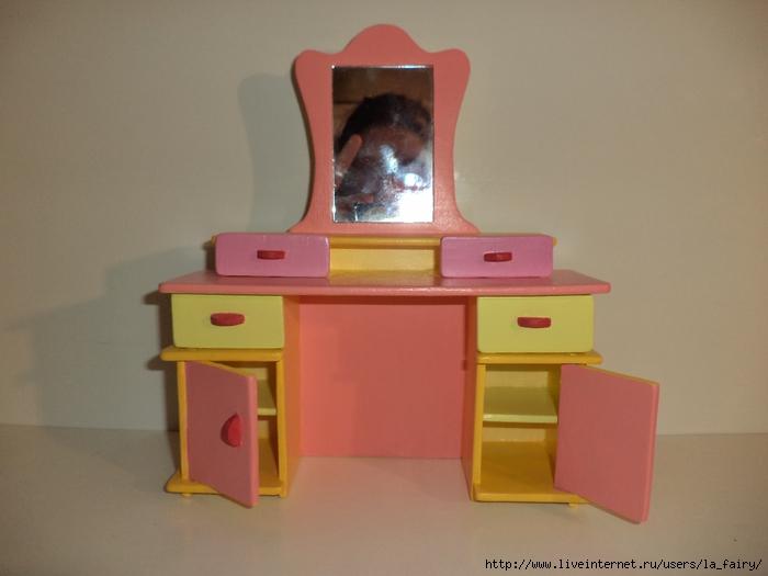 Кукольный туалетный столик своими руками 75