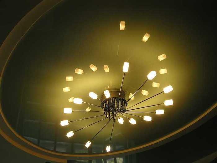 зачем нужны светодиодные светильники/1384902015_besshovnye_natyazhnye_potolki_56396 (700x525, 18Kb)