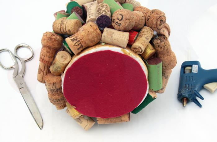 Креативная елочка из винных пробок (5) (700x458, 386Kb)
