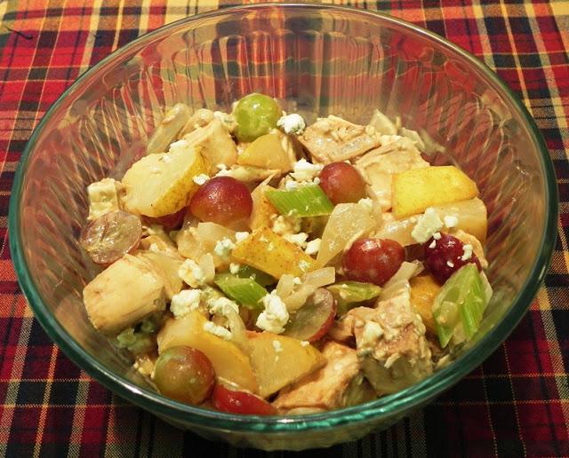 куриный салат с грушей и виноградом (640x516, 122Kb)