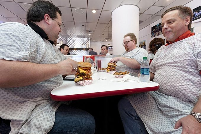 ресторан Heart Attack Grill 4 (680x453, 251Kb)