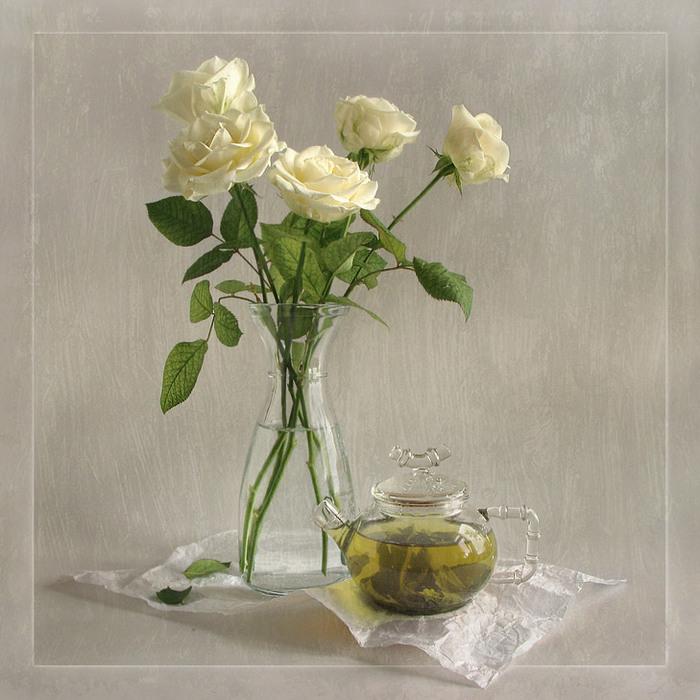 Натюрморты Белые розы 3545240 (700x700, 130Kb): yablor.ru/blogs/natyurmorti-belie-rozi/3159892
