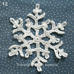 Снежинки крючком для праздничной сервировки стола (13) (300x300, 99Kb)