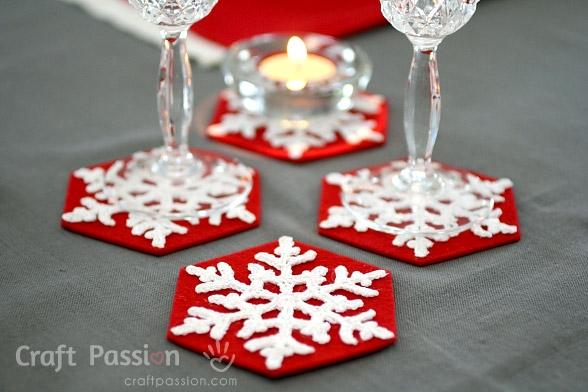 Снежинки крючком для праздничной сервировки стола (17) (588x392, 151Kb)