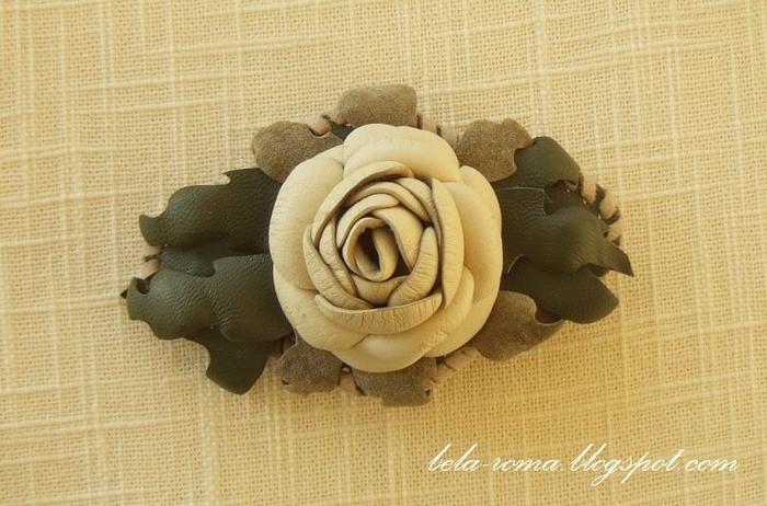Розы из натуральной кожи (1) (700x462, 242Kb)