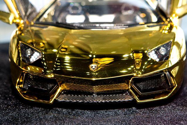 Lamborghini Aventador LP 700-4/1385237622_zolotoy_lambordzhini_foto_3 (638x428, 76Kb)