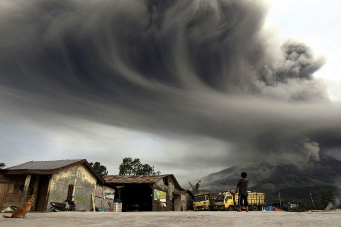 вулкан синабунг индонезия фото 2 (700x466, 141Kb)