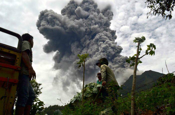 вулкан синабунг индонезия фото 6 (700x460, 232Kb)