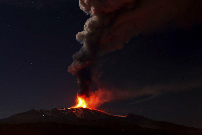 вулкан этна фото 2 (700x467, 95Kb)