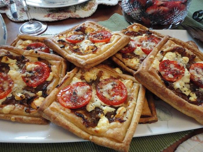мини пироги с томатами и сыром (700x525, 113Kb)