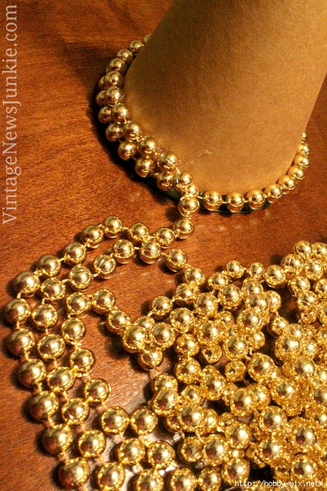 easy-upcycle-christmas-tree-gold-beads (466x700, 392Kb)