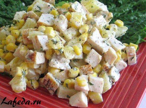 Салат слоеный с ананасом: украсит праздничный стол