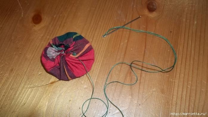 Текстильный елочный шар в технике йо-йо. Мастер-класс (8) (700x393, 187Kb)