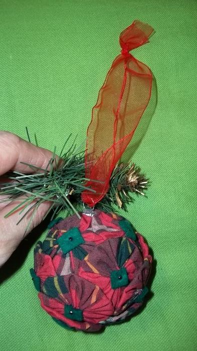 Текстильный елочный шар в технике йо-йо. Мастер-класс (22) (393x700, 232Kb)