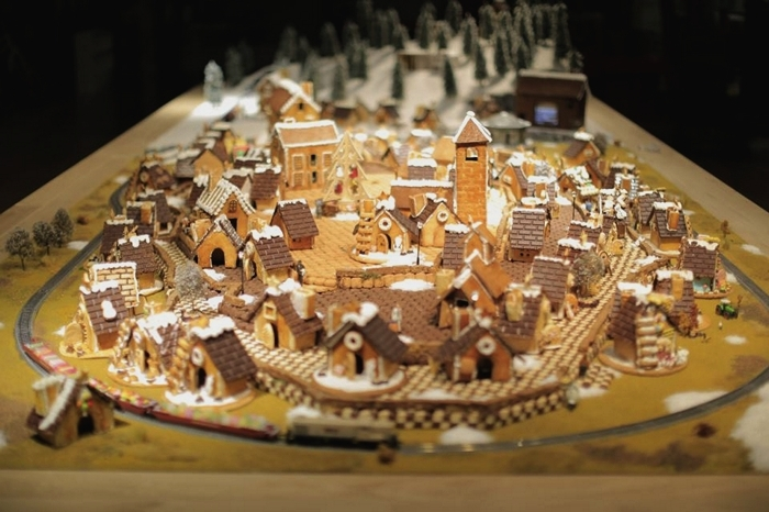 Инсталляция из имбирного печенья от студии tha ltd.