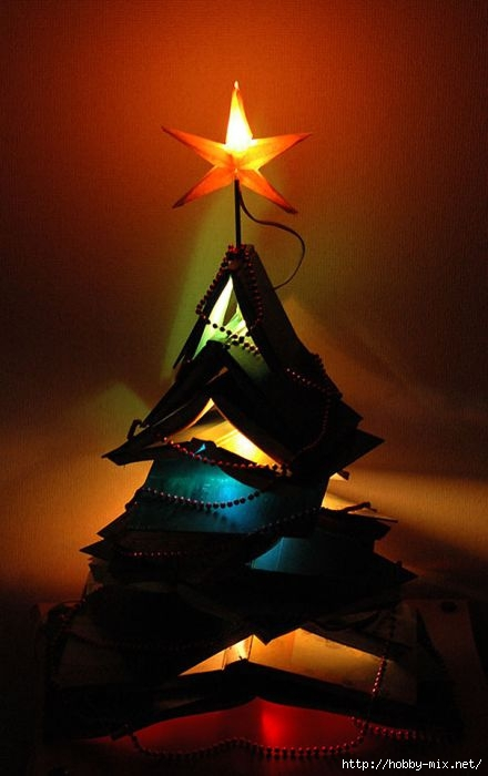 Alternative-Christmas-tree-ideas-tree-from-books-2 (440x700, 126Kb)