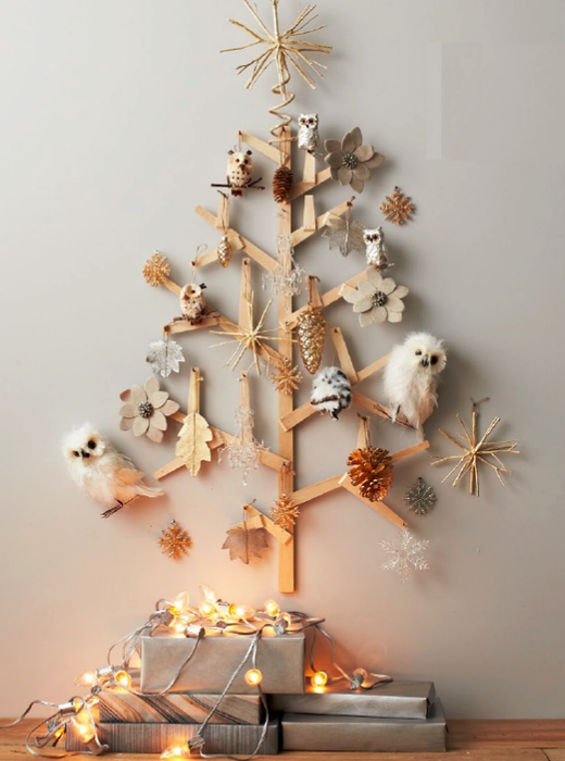 Alternative-Christmas-tree-ideas-tree-from-wood-boards-with-natural-decorations (520x700, 367Kb)