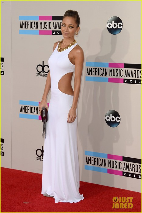 nicole-richie-heidi-klum-amas-2013-red-carpet-01 (466x700, 64Kb)
