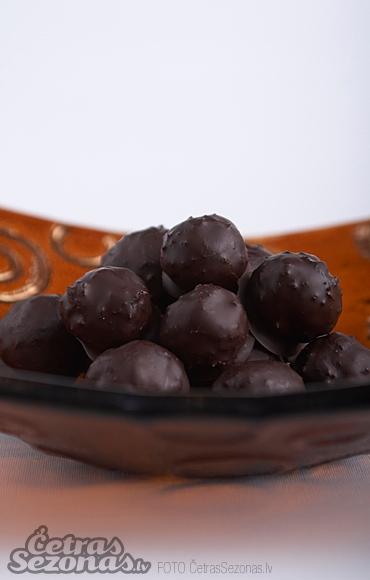 марципановые трюфели и шоколадные шарики (1) (370x580, 114Kb)