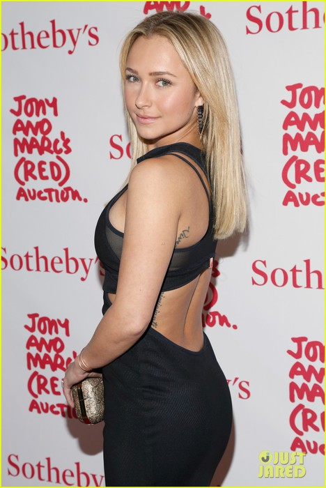 hayden-panettiere-anne-v-jony-marcs-red-auction-02 (468x700, 78Kb)
