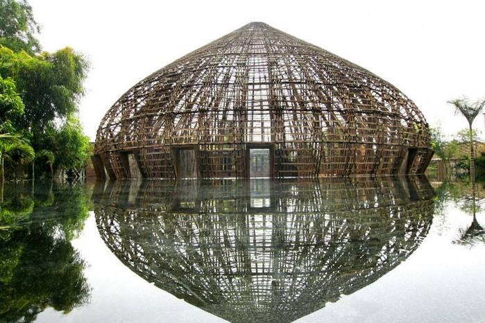 здание из бамбука фото 1 (700x466, 351Kb)