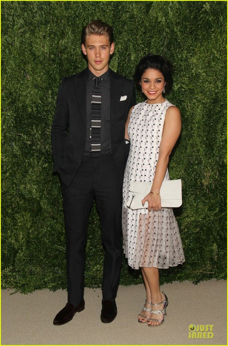 vanessa-hudgens-austin-butler-cfda-fashion-fund-finalists-celebration-01 (462x700, 116Kb)