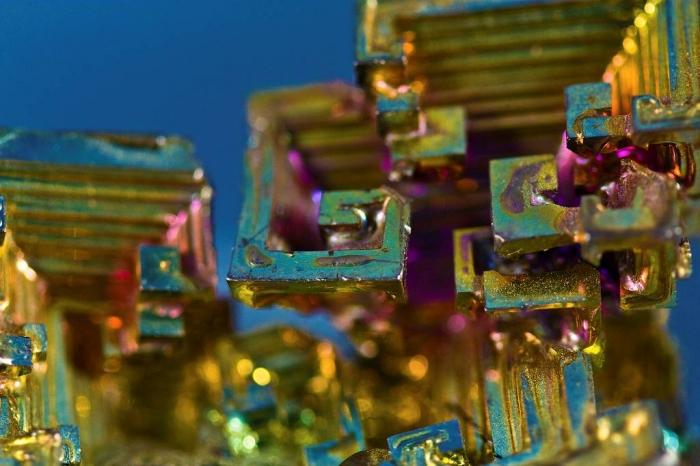 кристалы висмута 3 (700x466, 340Kb)