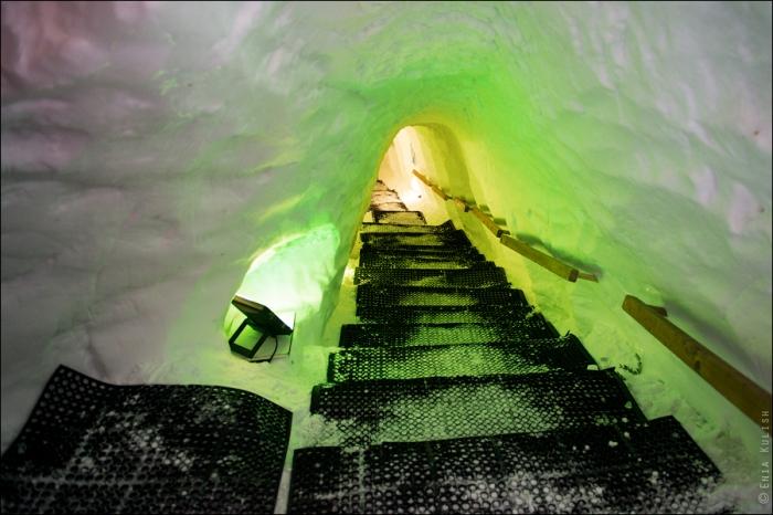 снежный грот в альпах фото 2 (700x466, 359Kb)