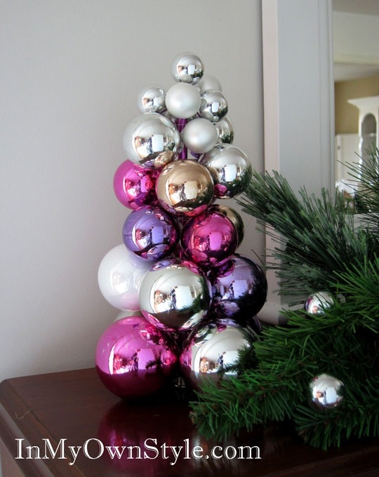 новогодний топиарий из елочных шаров (3) (540x680, 181Kb)