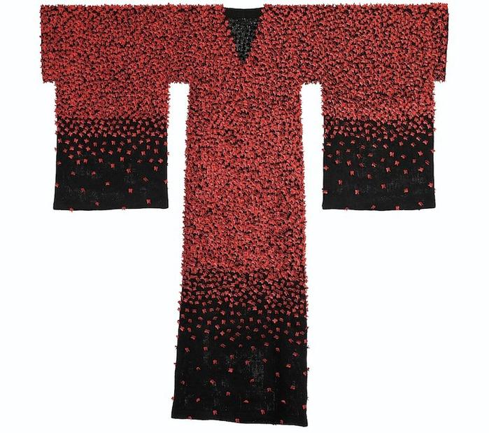 платья из фарфоровых бабочек 6 (700x618, 424Kb)