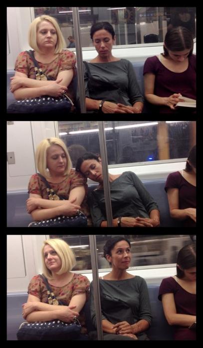 спящие в метро фото 5 (407x700, 185Kb)
