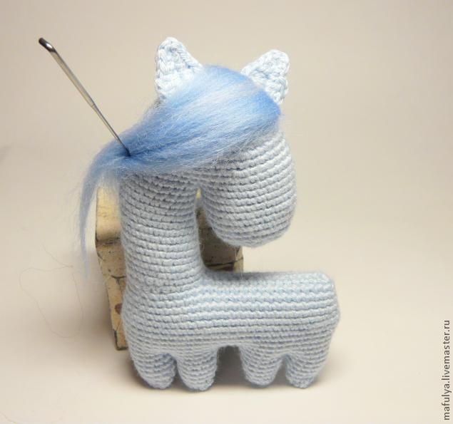 Нежная лошадка крючком. А зовут ее СНЕЖИНКА) (20) (635x595, 93Kb)