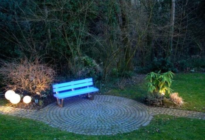 Подсветка садовой дорожки своими руками 8