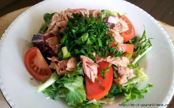 Салат с консервированным тунцом фото рецепт