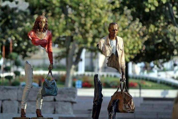 скульптуры Бруно Каталано 6 (700x466, 219Kb)