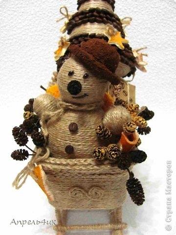 Санки, снеговик и елочка из джута и кофейных зерен. Мастер-класс (8) (360x480, 103Kb)