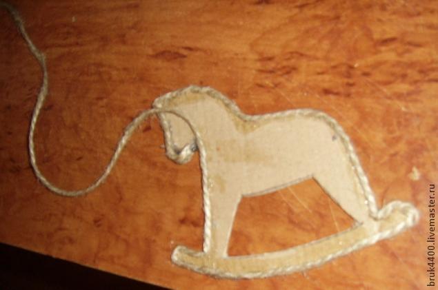 Кофейно-джутовые лошадки - магнитики на холодильник (6) (635x421, 98Kb)