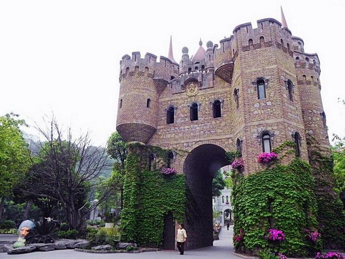 Chongqing-castles-3 (700x525, 176Kb)